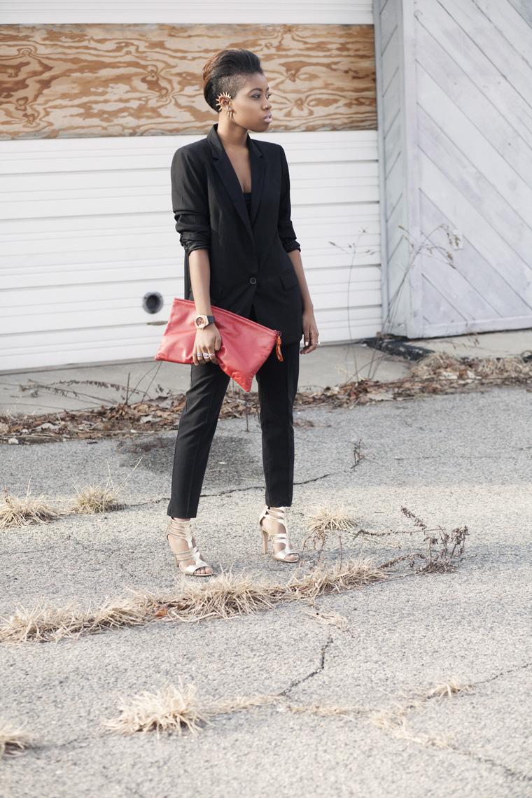 sole-society-gold-heel-black-suit-high-waist-pants-vintage-clutch-red_7073