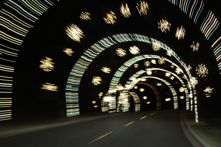 Tunnel-of-lights-at-Lake-Lanier