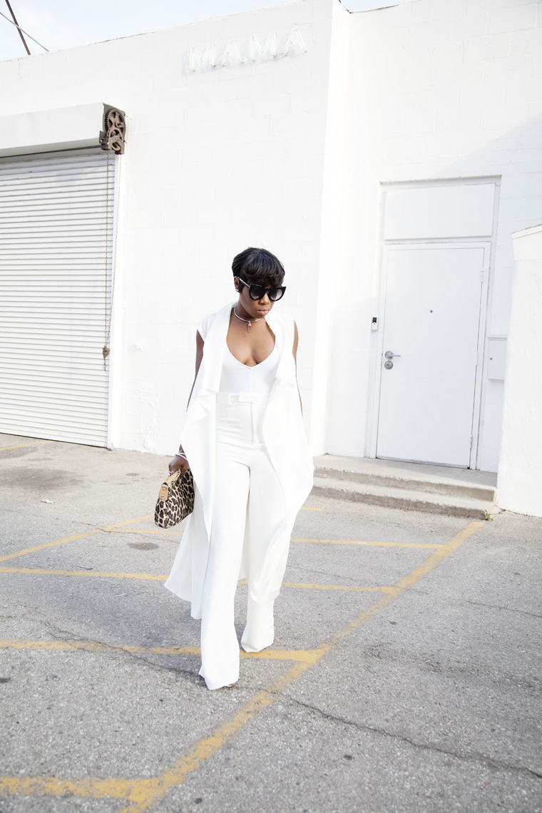all-white-outfit-missguided-wide-leg-pants_20150521_0418