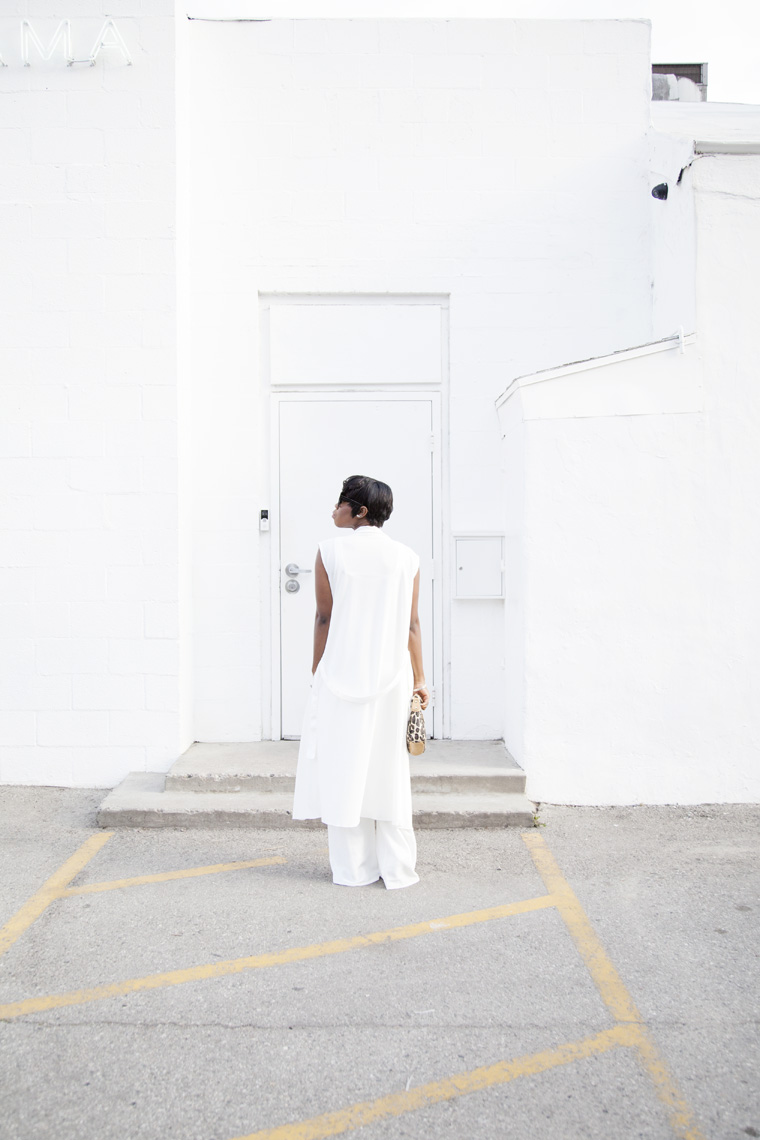 all-white-outfit-missguided-wide-leg-pants_20150521_0447