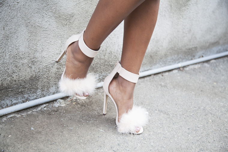 missguided-pink-dress-feather-heels-locks-and-trinkets_20150612_2862
