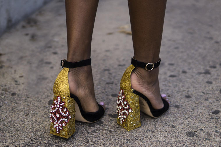 DIY: GUCCI INSPIRED GLITTER SHOES